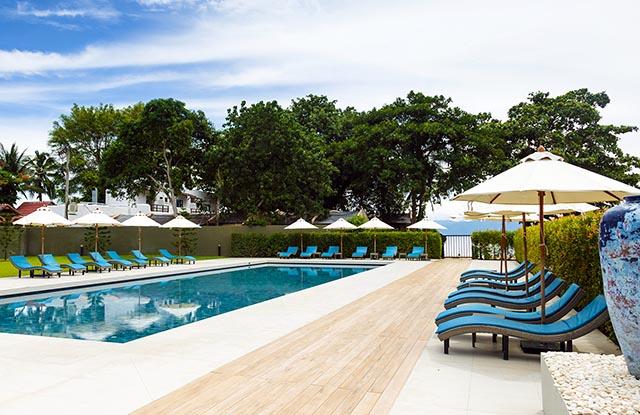 pool-and-beach-01