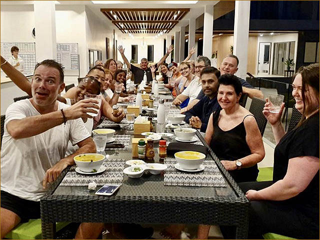 detox guests dining